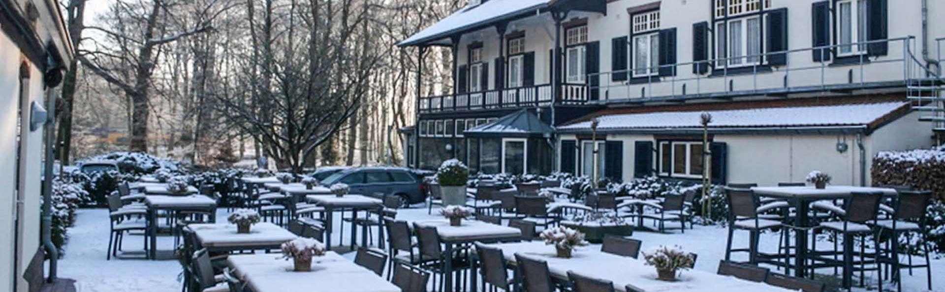 Pillows Charme Hotel Château de Raay Limburg  - EDIT_sandton_rhe_property_terrace_01.jpg