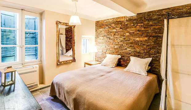 Séjour tout confort dans un appartement design à Cannes