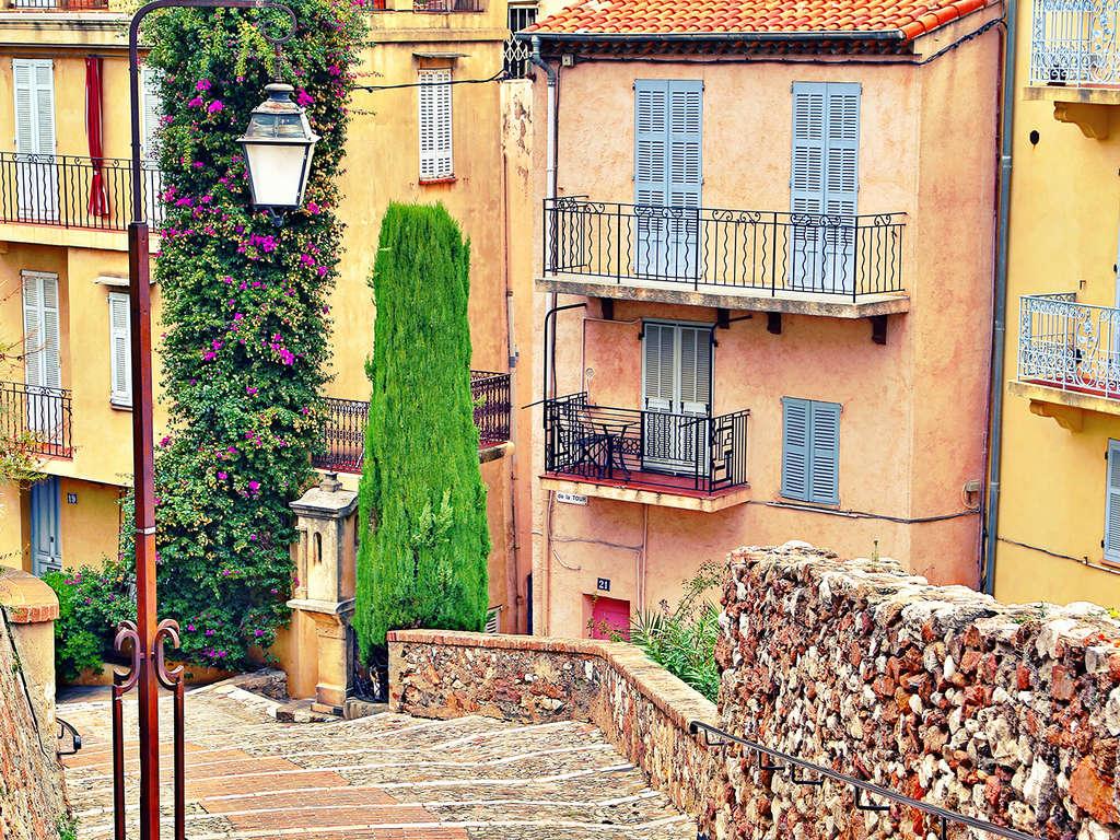 Séjour Provence-Alpes-Côte d'Azur - Parenthèse romantique à Cannes dans un appartement tout confort  - 3*
