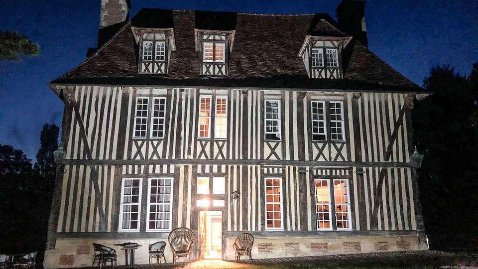 Les Manoirs des Portes de Deauville - EDIT_Manoir_nuit_HD_CC_June_01.jpg