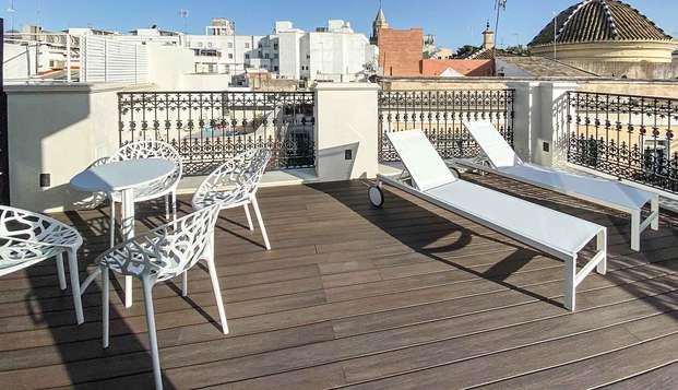 Petit déjeuner dans un bel hôtel 4* en plein cœur de Séville