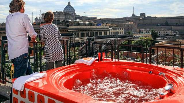 Romanticismo a Roma: notte in 4* con vasca idromassaggio in terrazza con vista