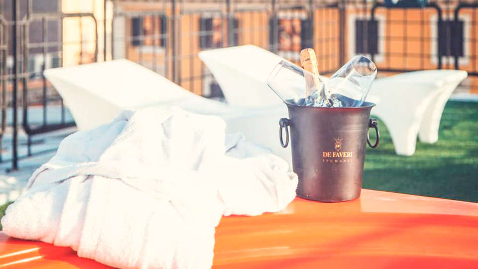 Orange Hotel - EDIT_SPA_01.jpg