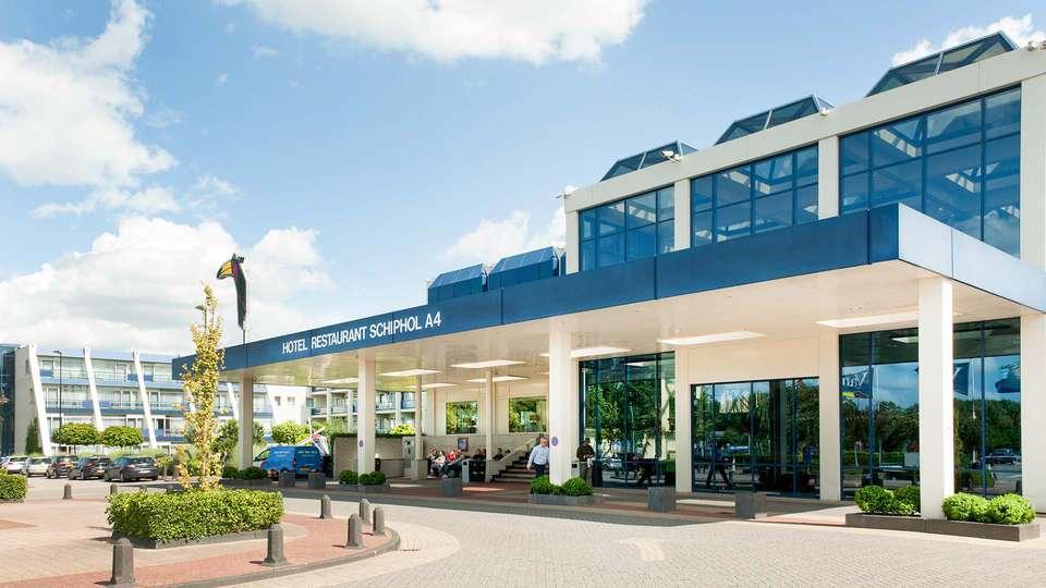 Van der Valk Hotel Schiphol A4 - EDIT_Voorkant_Hotel_01.jpg