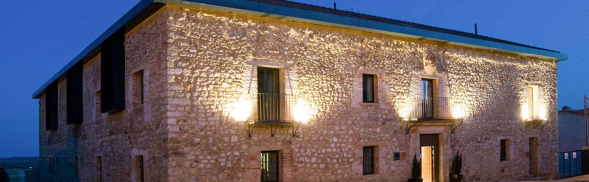 Hotel Convento Santa Ana - EDIT_fachada_noche_01.jpg