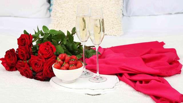 Disfruta de una cena con 4 servicios y termina una velada apoteósica con nuestra Love Box