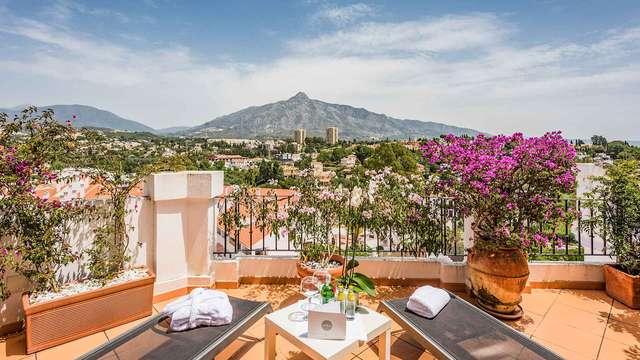 Escapada en una Suite con terraza en la costa andaluza de Marbella