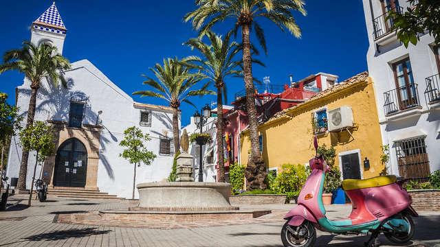 Fuga romantica in una suite con spumante Cava incluso, vicino alla costa andalusa di Marbella