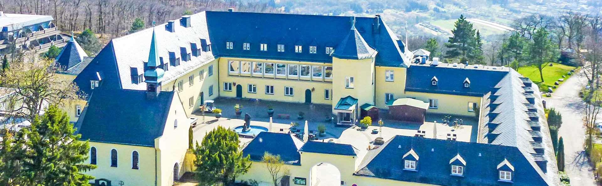 Séjour de luxe avec dîners et spa dans un hôtel-château avec vue sur le Rhin (à partir de 2 nuits)