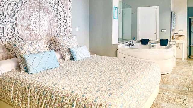 Escapada Love: habitación superior con jacuzzi, 1h de spa privado y cava en el centro de Mérida