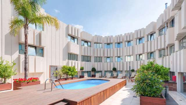 Confortable séjour dans un hôtel au design minimaliste près de l'aéroport de Valence