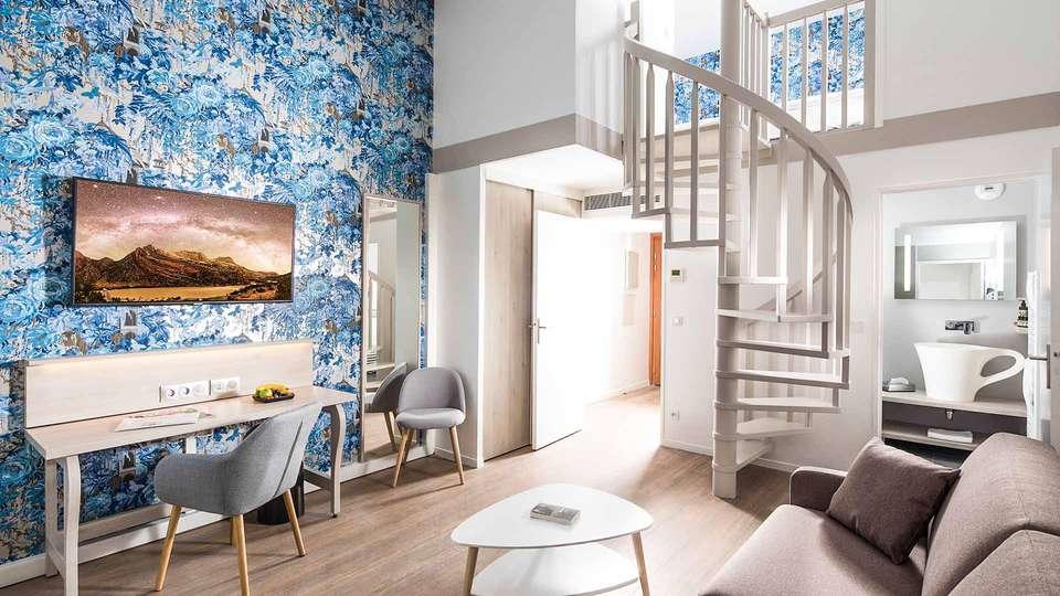 M3 Hôtel & Résidence Ferney Genève Aéroport  - EDIT_Suite_Mezzanine_Living_Room_01.jpg
