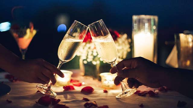 Romantisch uitje aan het strand met bubbels en een 3-gangen diner