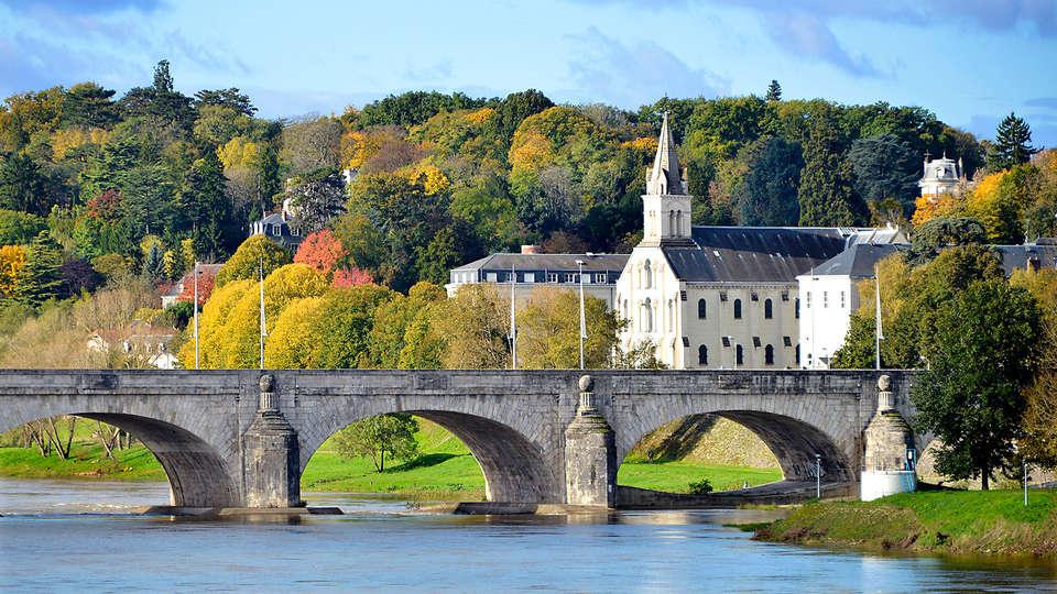 Loire Valley Lodges - Hôtel - EDIT_TOURS_03.jpg