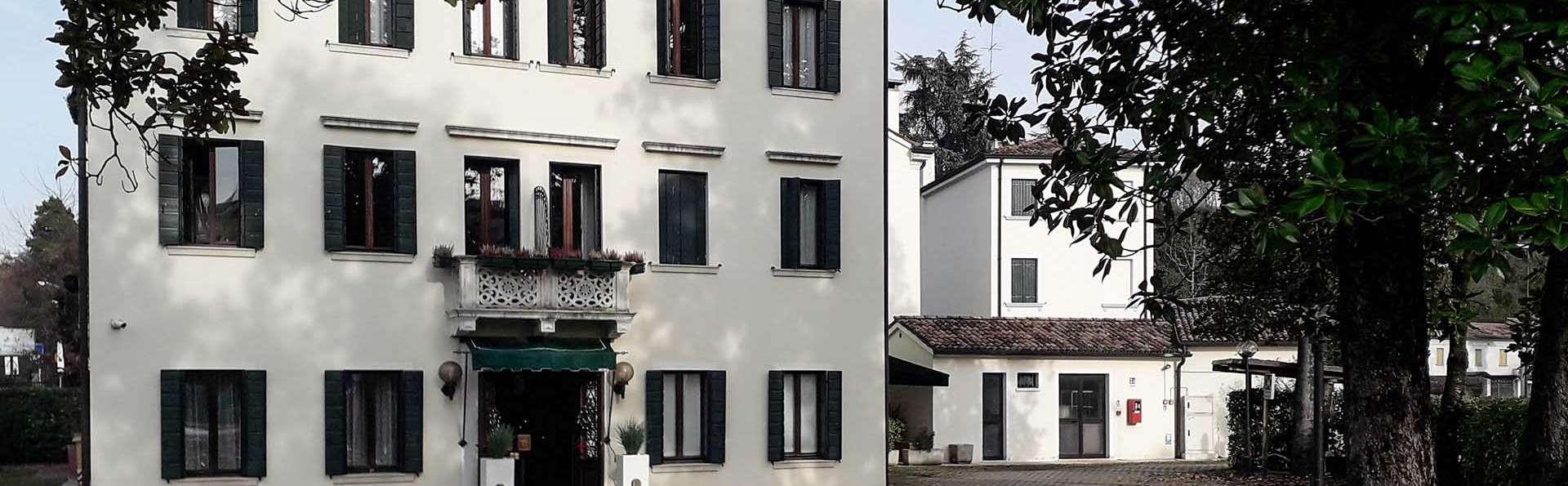 Hotel Scala - EDIT_EXTERIOR_01.jpg