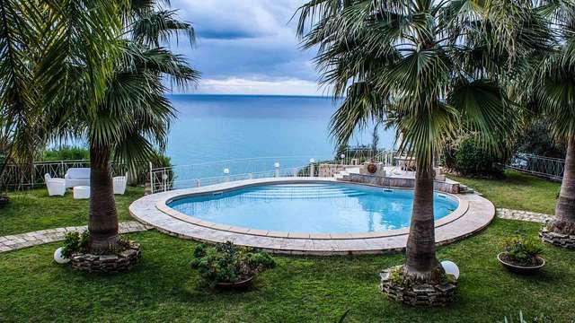 Romantiek aan de Costa Viola: verblijf met diner met een schitterend uitzicht