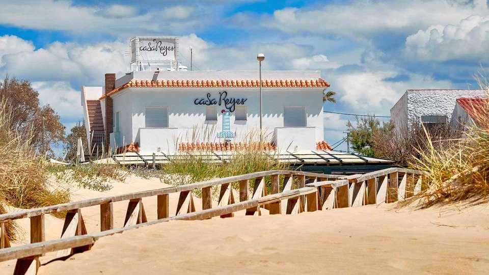 Casa Reyes El Palmar - EDIT_Casa_Reyes_Fachada_Big_01.jpg