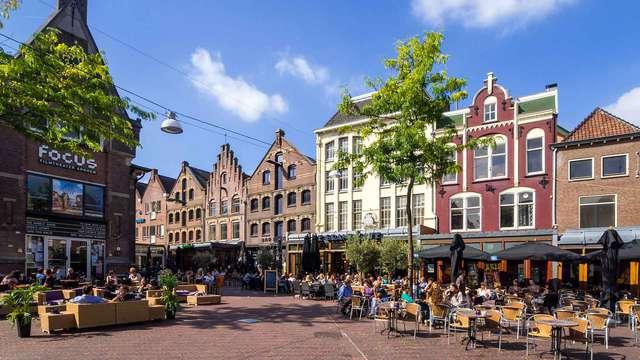 Découvrez Arnhem dans un confortable hôtel en centre-ville avec petit déjeuner inclus