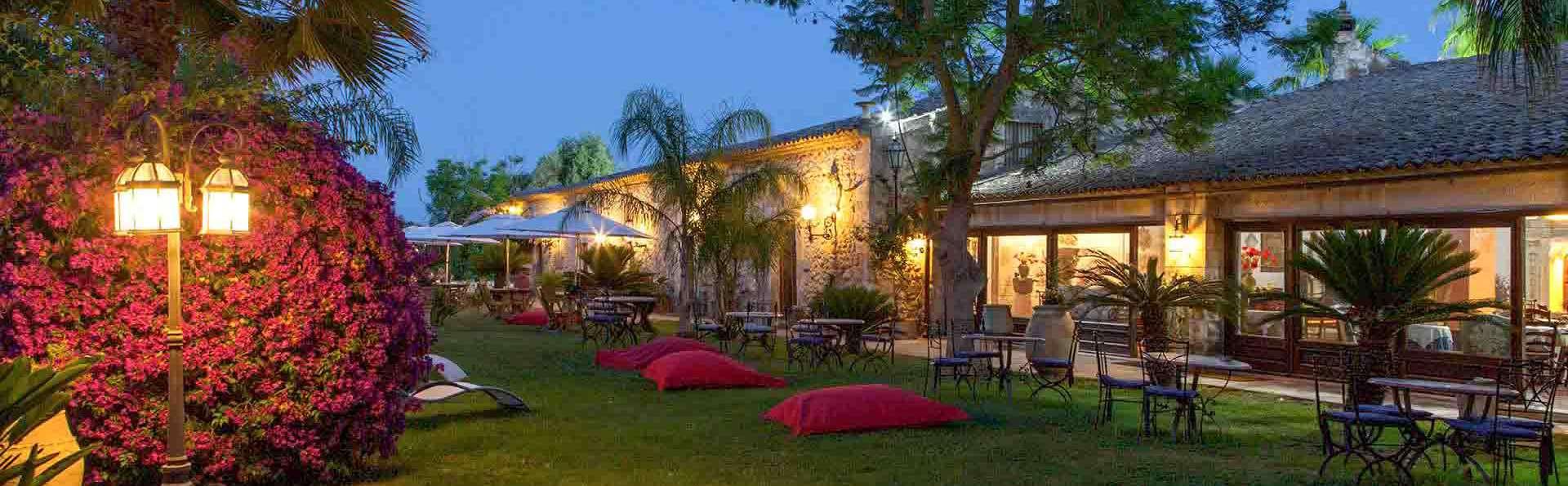 Villa Dei Papiri - EDIT_Esterno_Lounge_-Area_comune_01.jpg