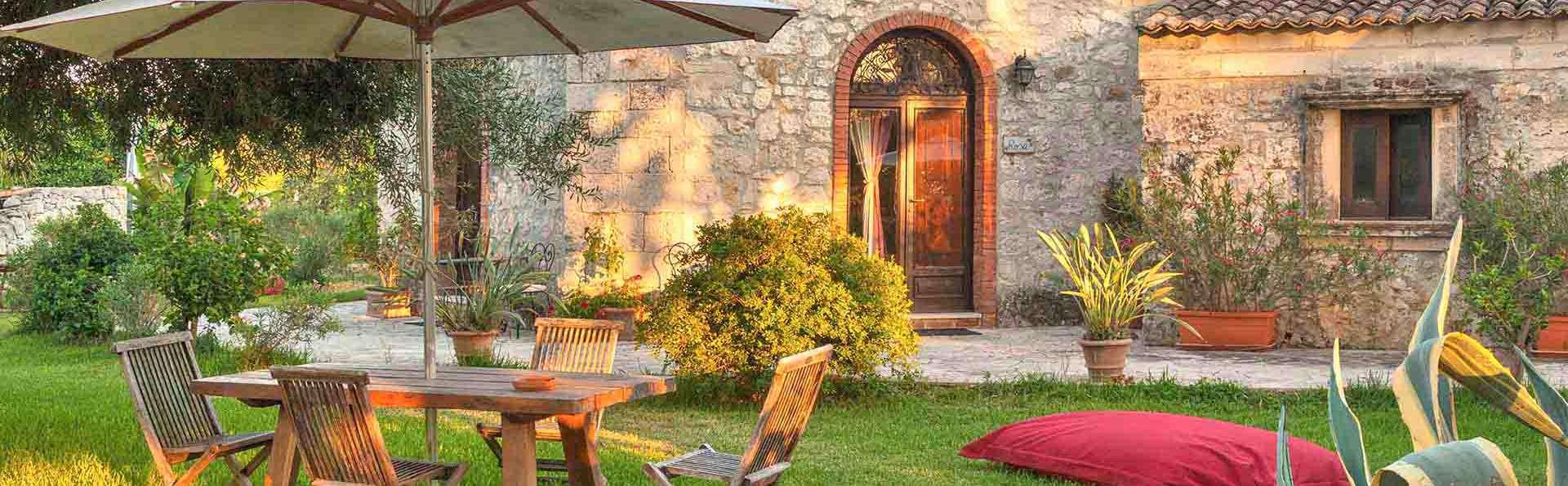 Villa Dei Papiri - EDIT_Esterno_Superior_02.jpg