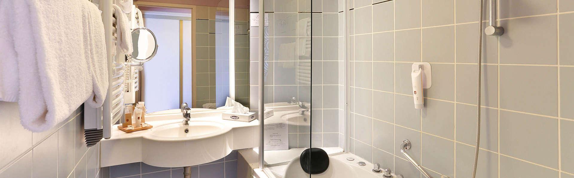 Hôtel du Golf de l'Ailette, The Originals Relais (Qualys-Hotel) - EDIT_BATHROOM_01.jpg