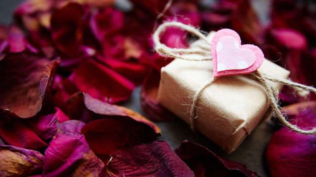 Séjour romantique et pimenté avec champagne, chocolats et lovebox à l'orée de la forêt
