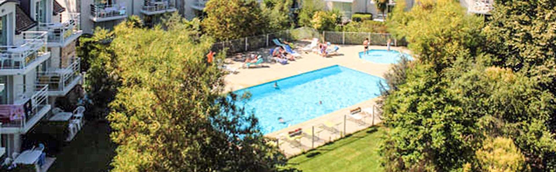 Vacancéole Le Domaine des Glénan - EDIT_domaine-des-glenan-fouesnant-exterieur-piscine_01.jpg