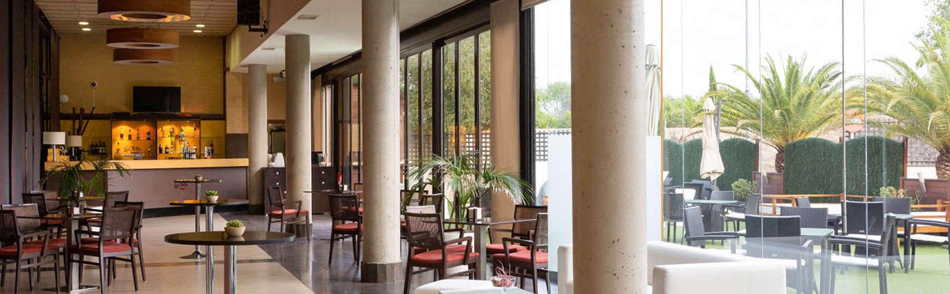 Hotel Las Artes - EDIT_Ter_01.jpg