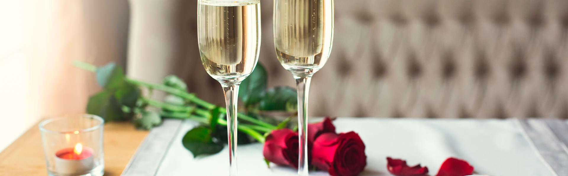 Dîner, champagne et pétales de rose pour un séjour romantique !