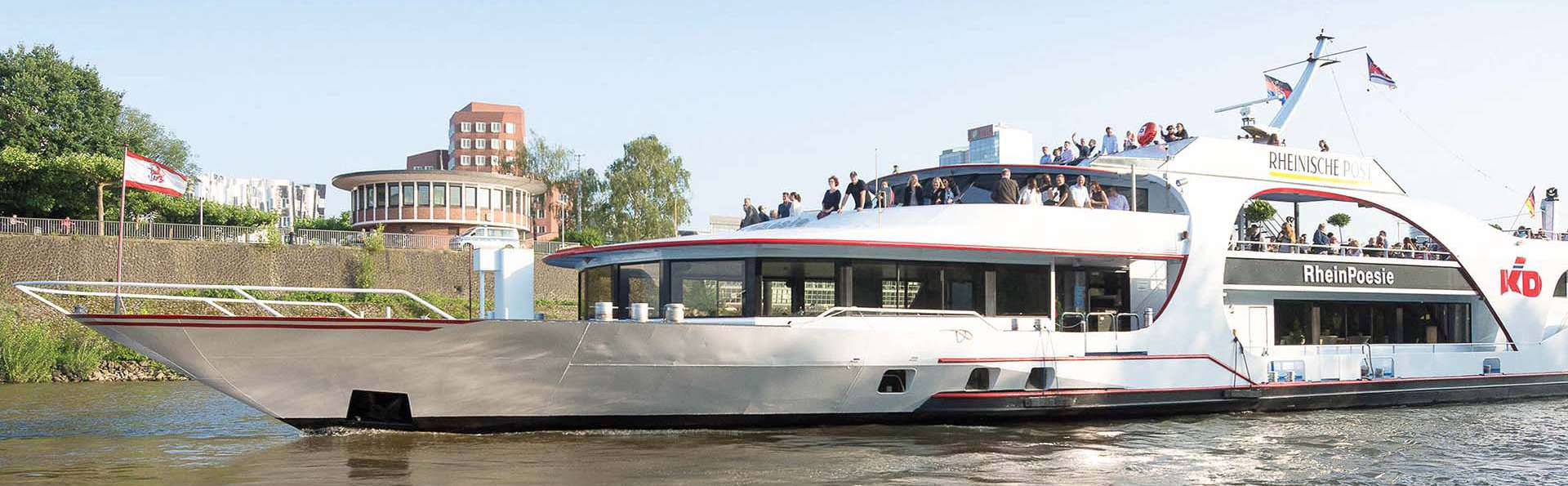 Profitez d'une balade en bateau en famille pour découvrir Düsseldorf