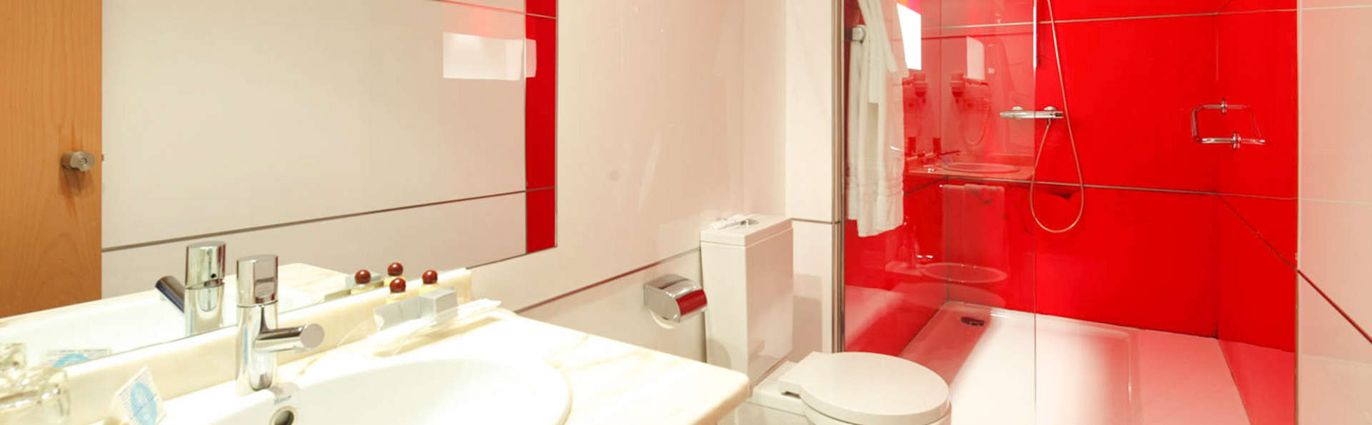 Hotel Spa Congreso - EDIT_BATHROOM_01.jpg