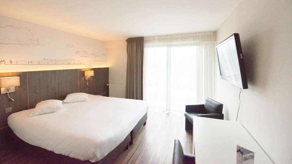 Hotel & Wellness  Royal Astrid - EDIT_BEDROOM_05.jpg