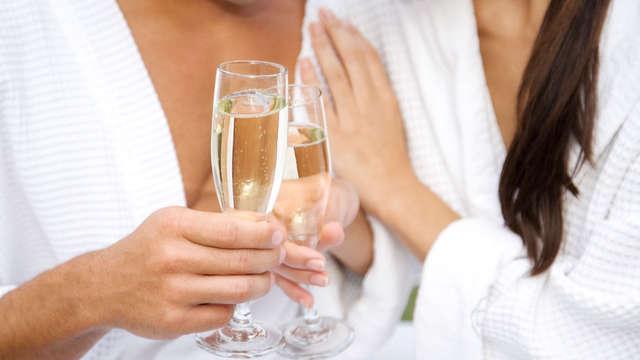 Séjour romantique avec des bulles et un sauna privé dans la chambre