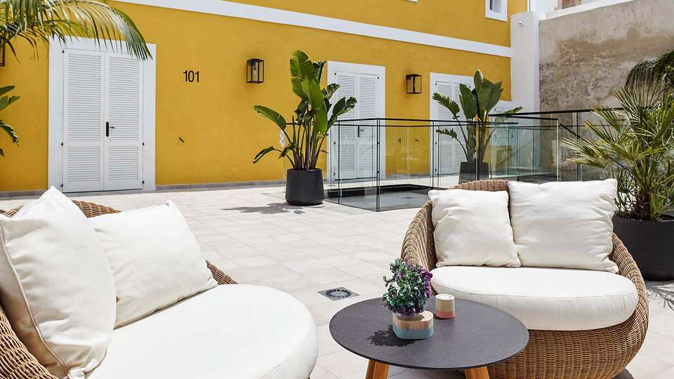 Hotel La Torre del Canónigo - EDIT_Casa_Puget_sofas_01.jpg