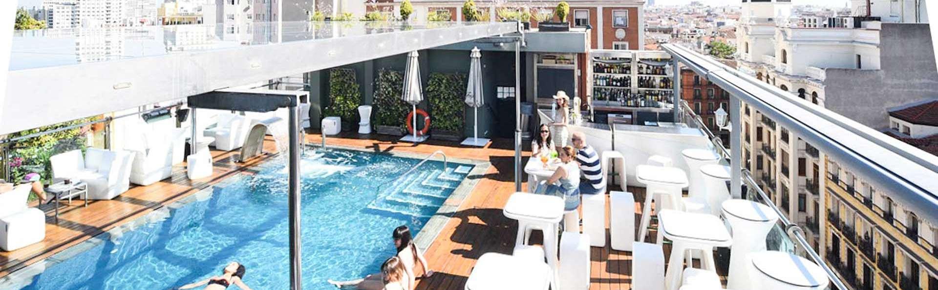 Vistas a Madrid desde la piscina de la azotea de un 4*