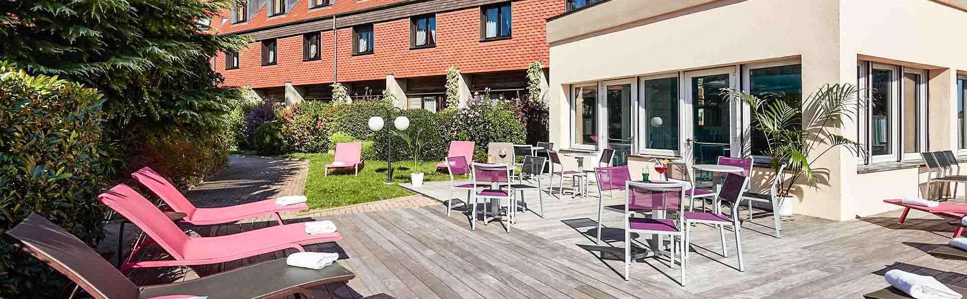 Hôtel l'Europe - EDIT_Terrasse_Piscine_01.jpg