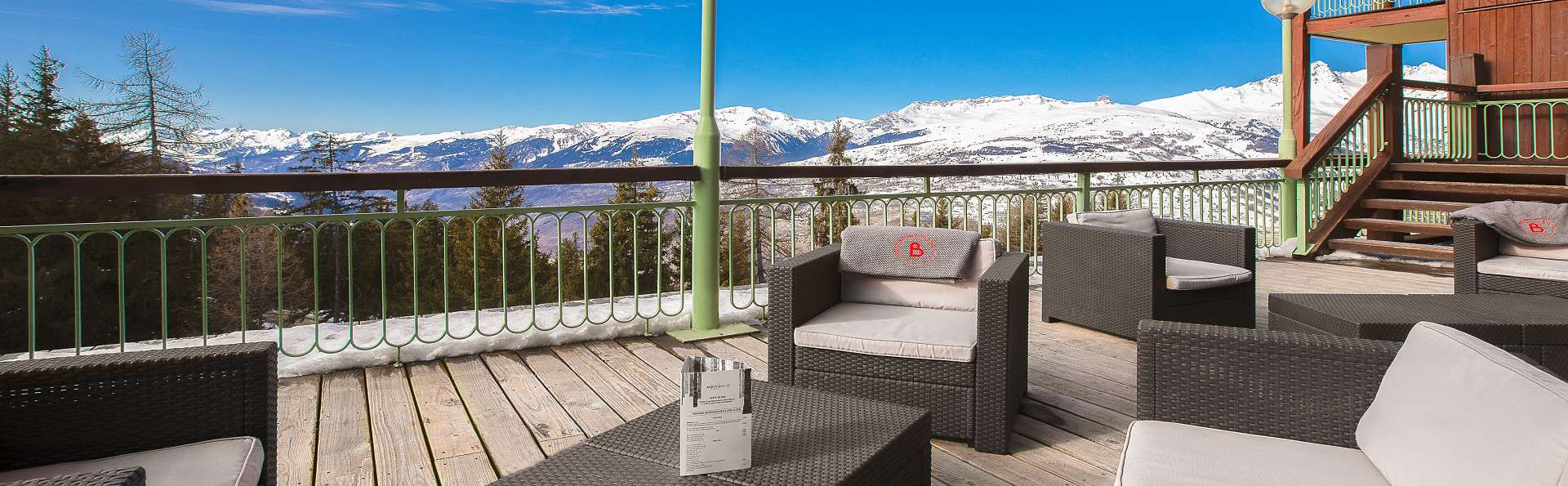 Mercure Les Arcs 1800 - EDIT_Terrasse_bar_ext.jpg