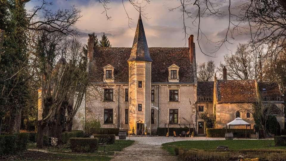 Château le Sallay - EDIT_FRONT.jpg