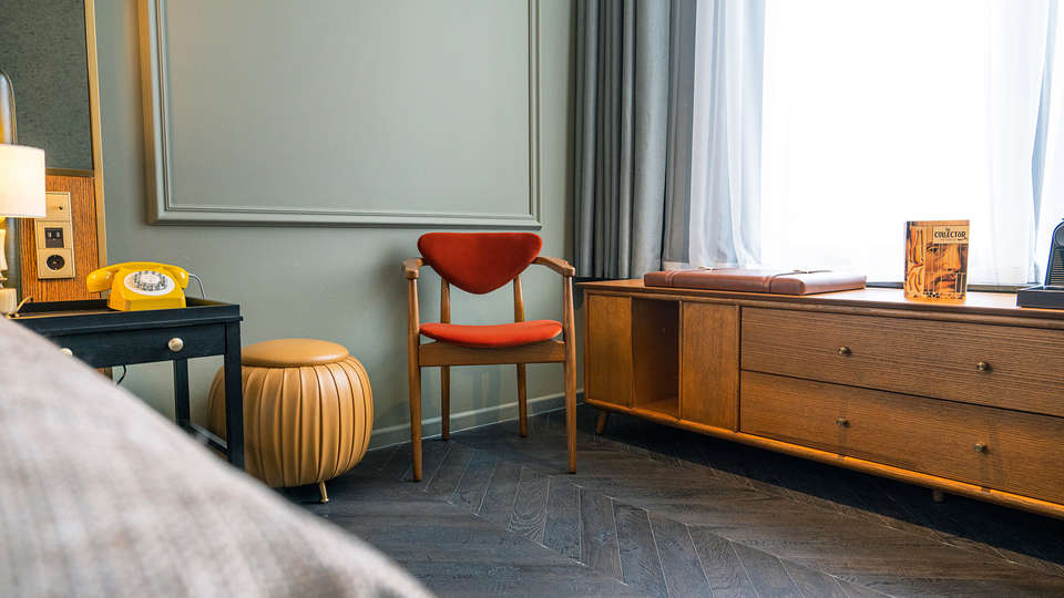 The Collector Hotel - EDIT_TheCollector_TheCabitnet_Chair.JPG