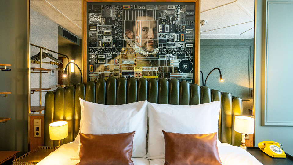 The Collector Hotel - EDIT_TheCollector_TheCabitnet_Headboard.JPG