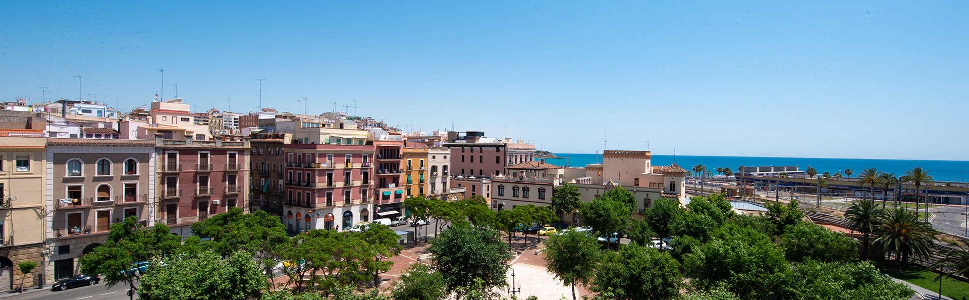 Port Plaza Apartments - EDIT_plaza_hotel__47_.jpg