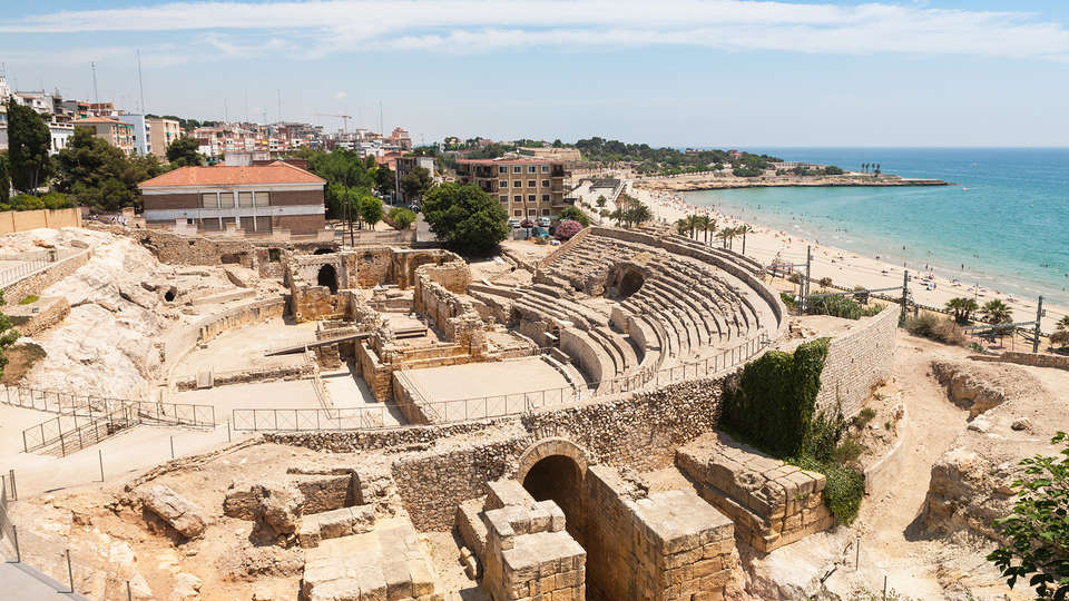 Port Plaza Apartments - EDIT_NEW_Tarragona4.jpg