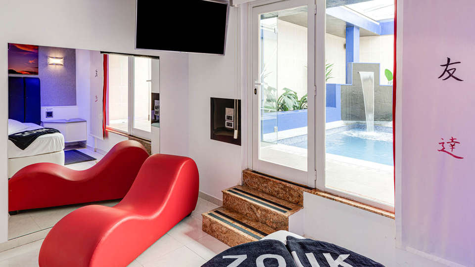 Hotel Zouk - EDIT_BEDROOM_11.jpg
