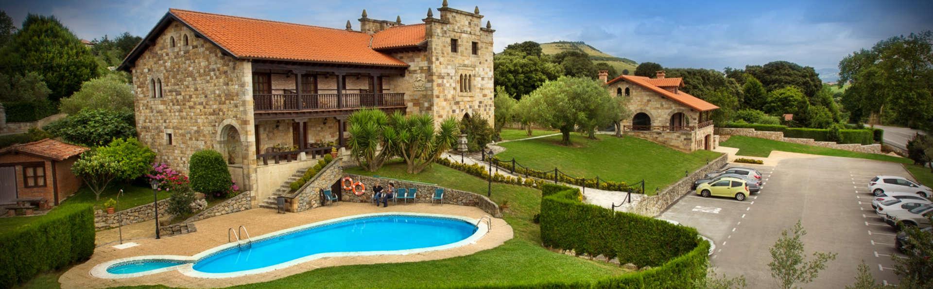 Posada Spa San Marcos - EDIT_Exterior_con_Piscina.JPG