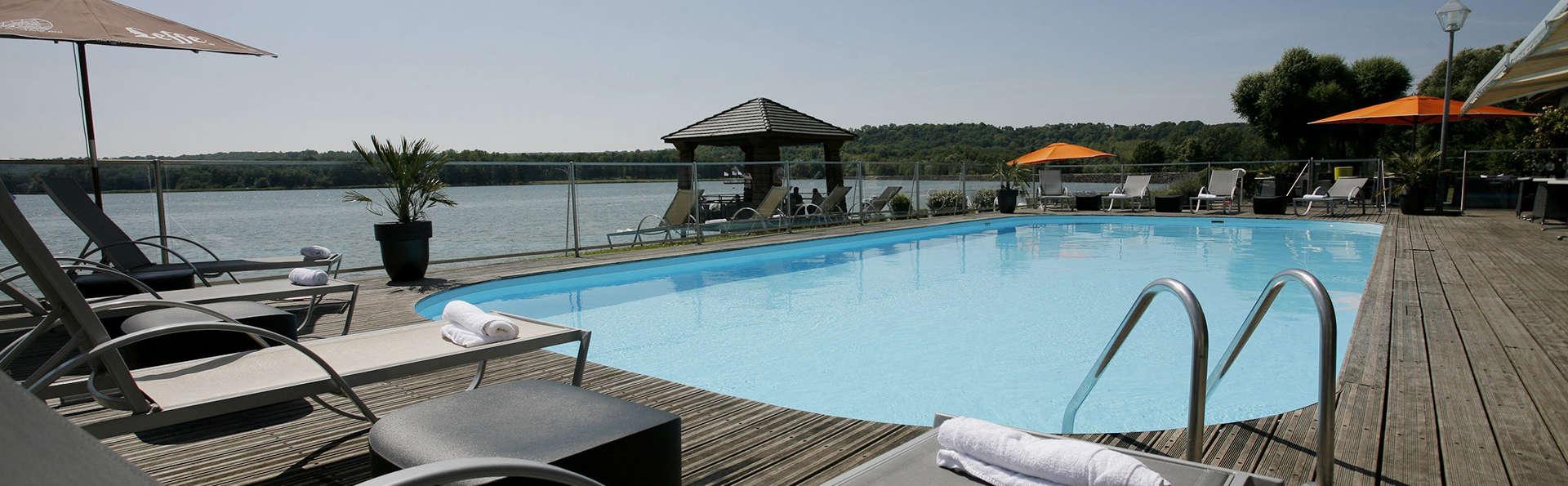 Escapade détente avec modelage & Jacuzzi privatif sur les bords du Lac de l'Ailette près de Reims