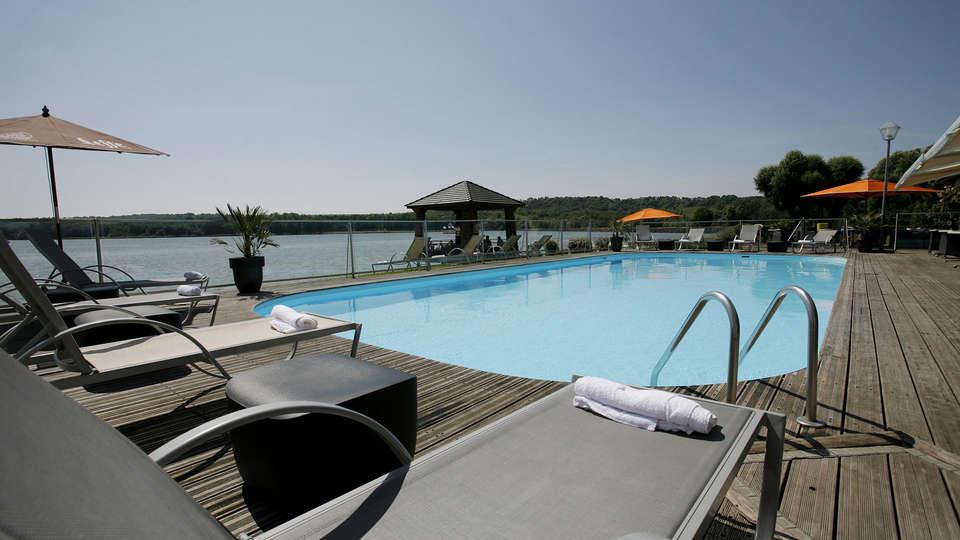 Hôtel du Golf de l'Ailette, The Originals Relais (Qualys-Hotel) - EDIT_pool2.jpg