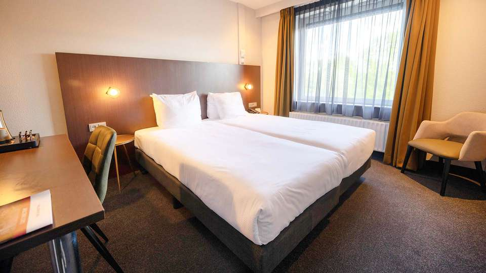 Best Western Plus Hotel Groningen Plaza - EDIT_BEDROOM_01__1_.jpg