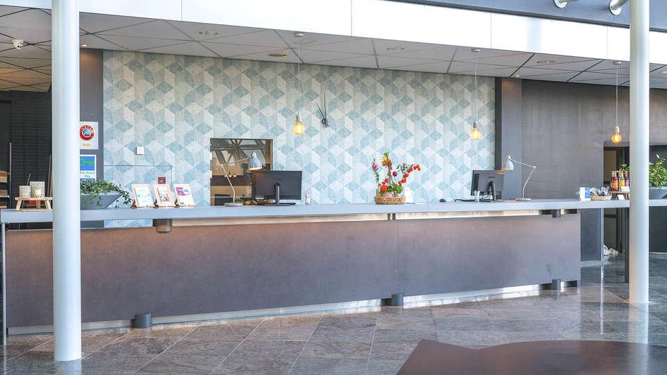 Best Western Plus Hotel Groningen Plaza - EDIT_RECEPTION_01.jpg