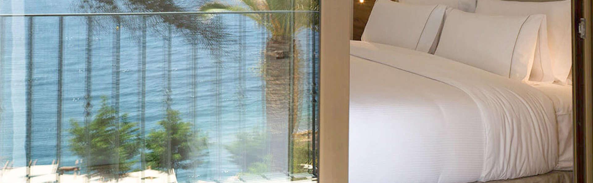 Escapade parfaite: chambre supérieure avec vue sur la mer et demi-pension