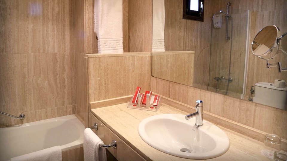 Hotel Doña Teresa - EDIT_BATHROOM_02.jpg